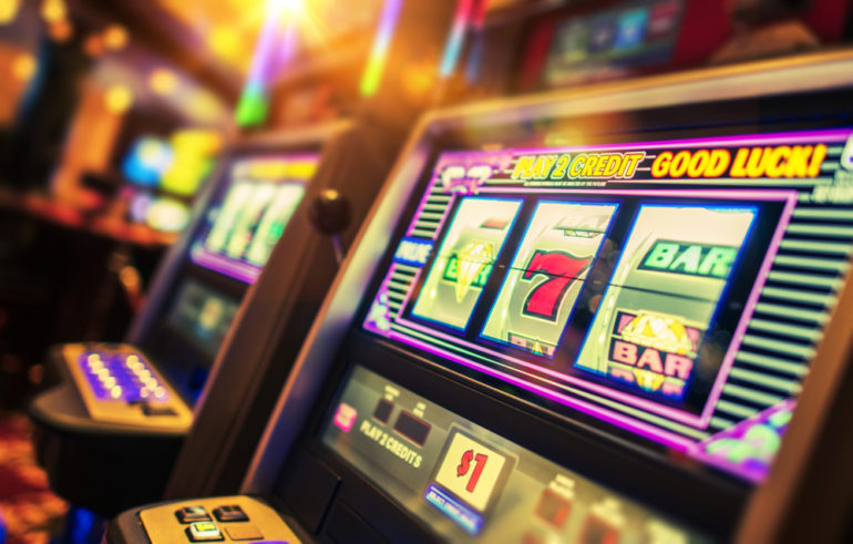 What are all the benefits that you will attain while playing online casino games?